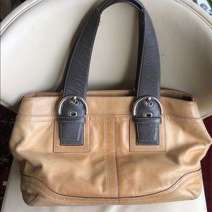 Coach Large Leather Shoulder Bag No-E0782-F10912
